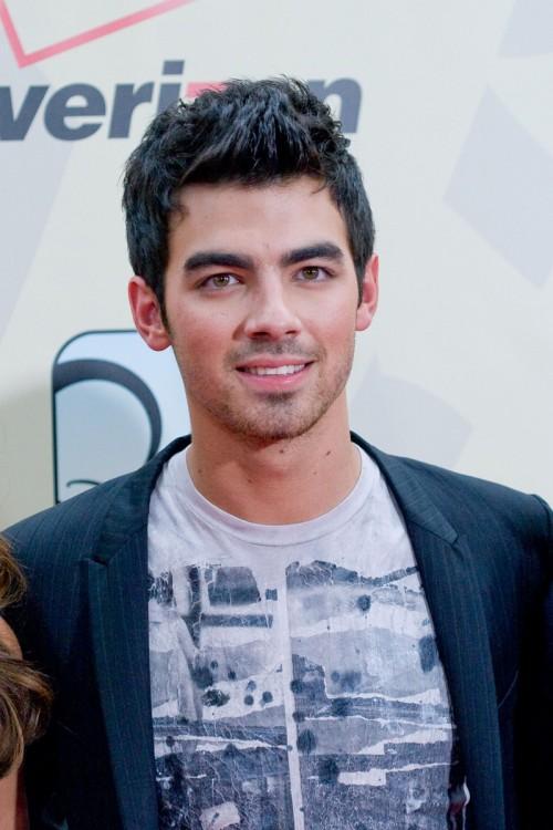 Joe Jonas  Jonas Brothers - Joe ha asegurado que sacar  225  nuevo disco    Joe Jonas 2010 Photoshoot
